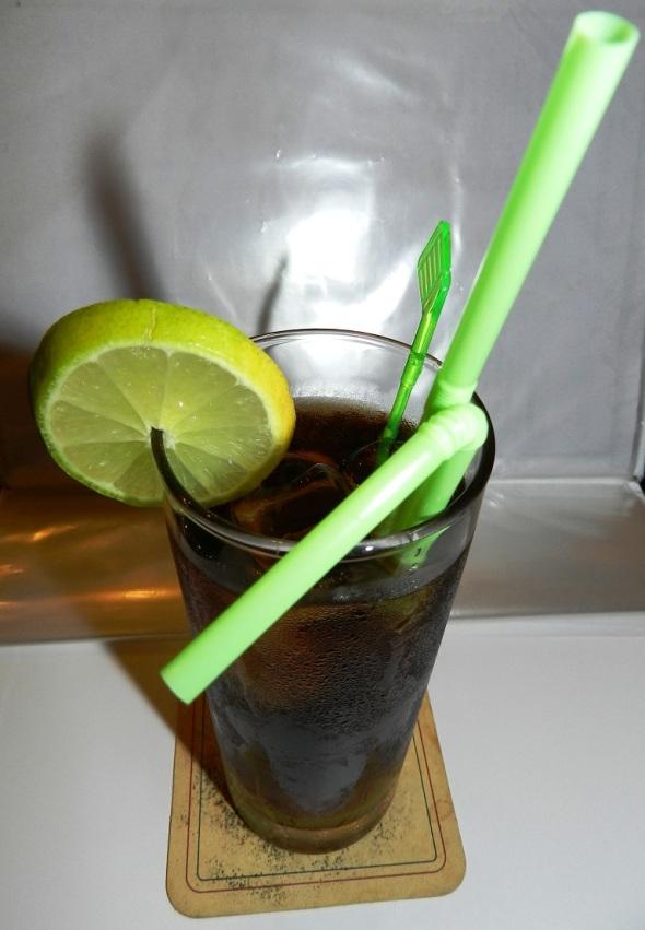El cubalibre (a veces también cuba libre) es un cóctel cubano resultante de la mezcla del refreso de cola con ron. En Chile, además de cubalibre, se le denomina roncola, en México se le
