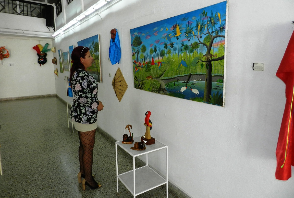 Piezas tradicionales de la amazonía bolivianas se exponen en Camagüey
