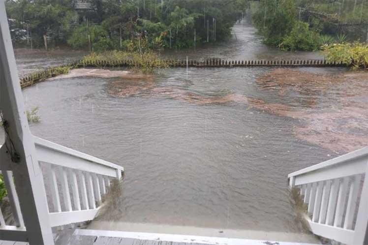 Washington, 7 sep (Prensa Latina) El huracán Dorian se mueve hoy hacia Canadá tras provocar inundaciones en las Carolinas, Estados Unidos, país donde los efectos del meteoro se sintieron desde el pasado martes.