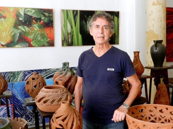 El pintor, dibujante, escenógrafo, diseñador y ceramista camagüeyano Nazario Salazar Martínez