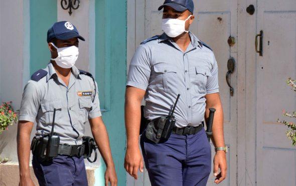 Policía cubana por la tranquilidad ciudadana. Foto Cubaperiodista